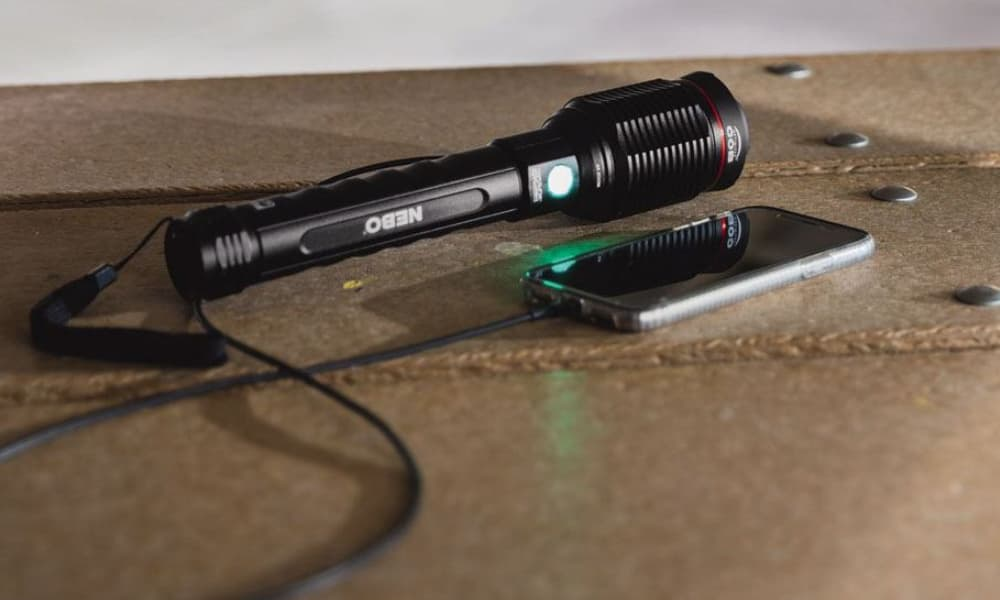 Militaerische Taschenlampe, NEBO Redline 6K;